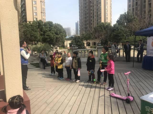 """康桥花园社区孩子手绘风筝:瞧,春天在空中""""飞扬""""!"""